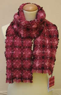 Double Bubbles scarf in Bordeaux
